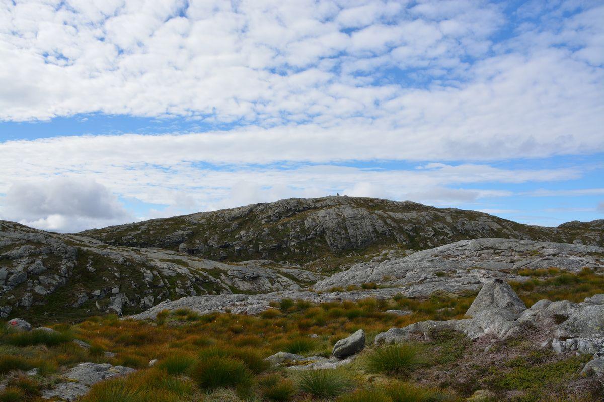 Toppen av Trodlafjellet i sikte for første gong sidan Viketølen