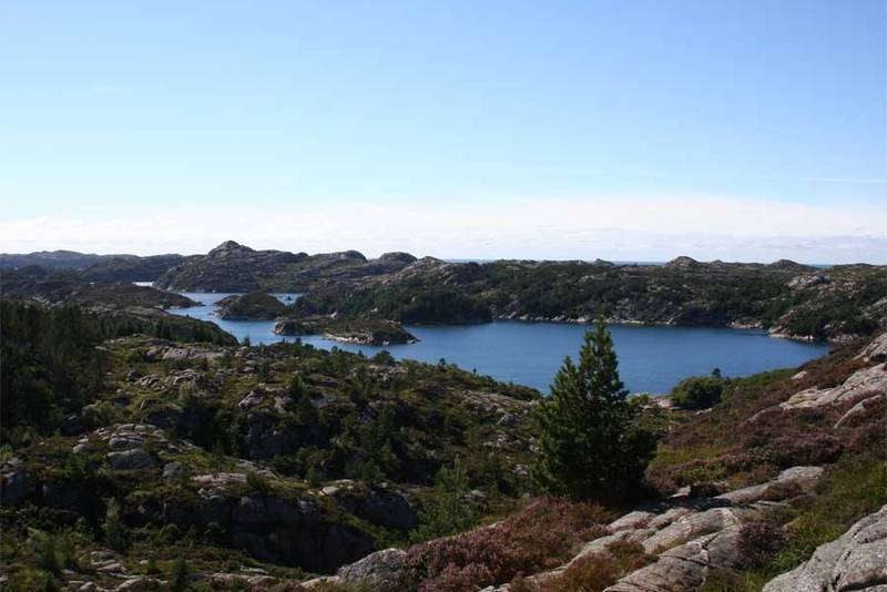 Fantastisk fjordlandskap sørover fjorden.