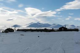 Storerikvollen og Sylmassivet i vinterdrag - Foto: Trondhjems Turistforening