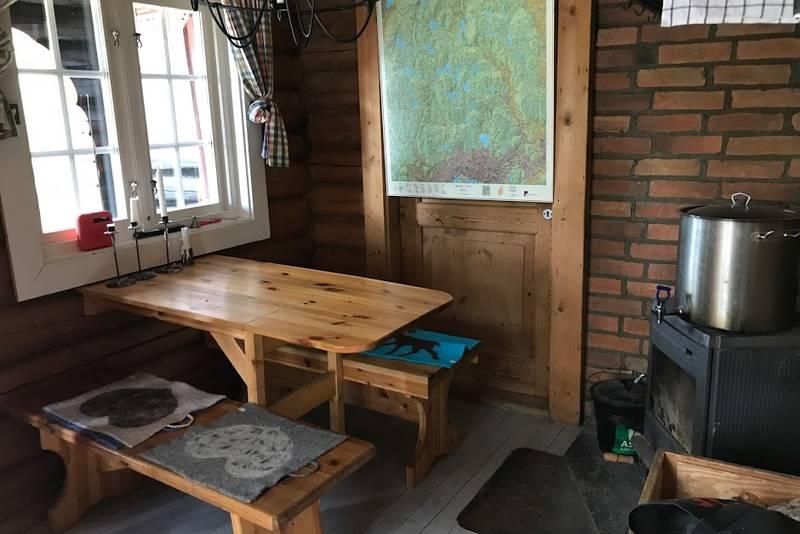 Koselig kjøkken og stue i ett