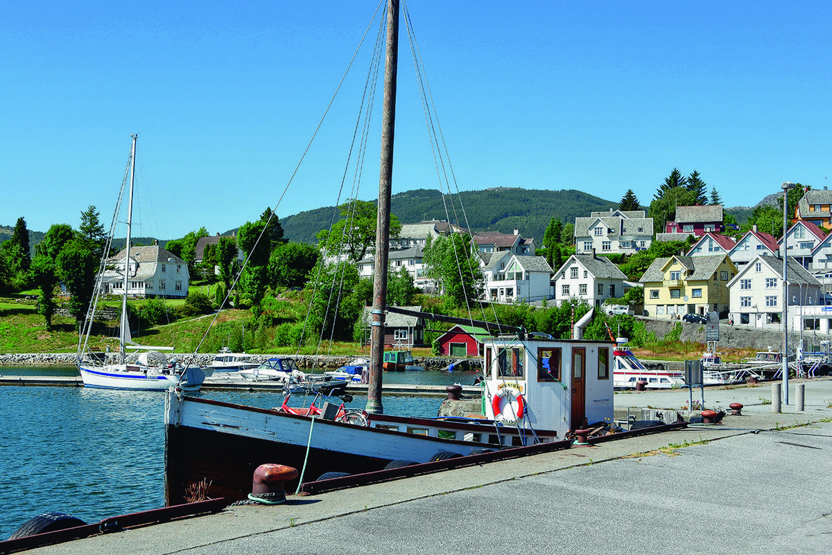 Turen starter i Vågen med koselig båtmiljø