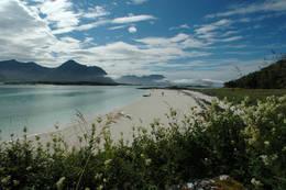 Utsikt fra Senja mot de ytre øyene - Foto: Julie Maske