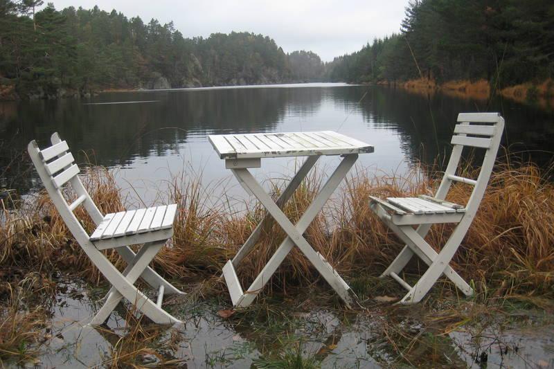 Ledig bord i sørenden av Vranglevannet.