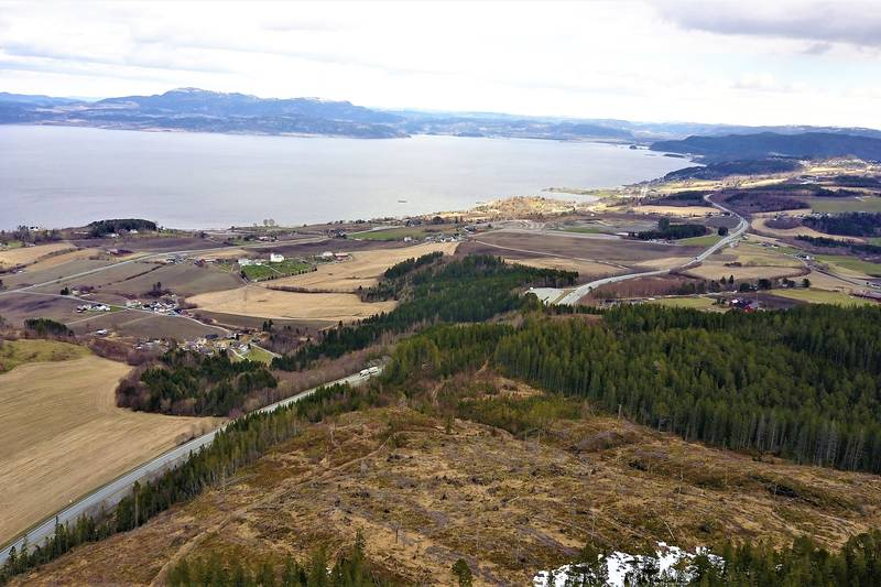 Dronefoto med utsikt nordover.