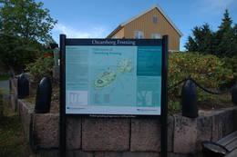 På fergekaia er det god informasjon over alt du bør se når du går på turveiene her ute. - Foto: Kyrre Hurum, Oslofjordens Friluftsråd