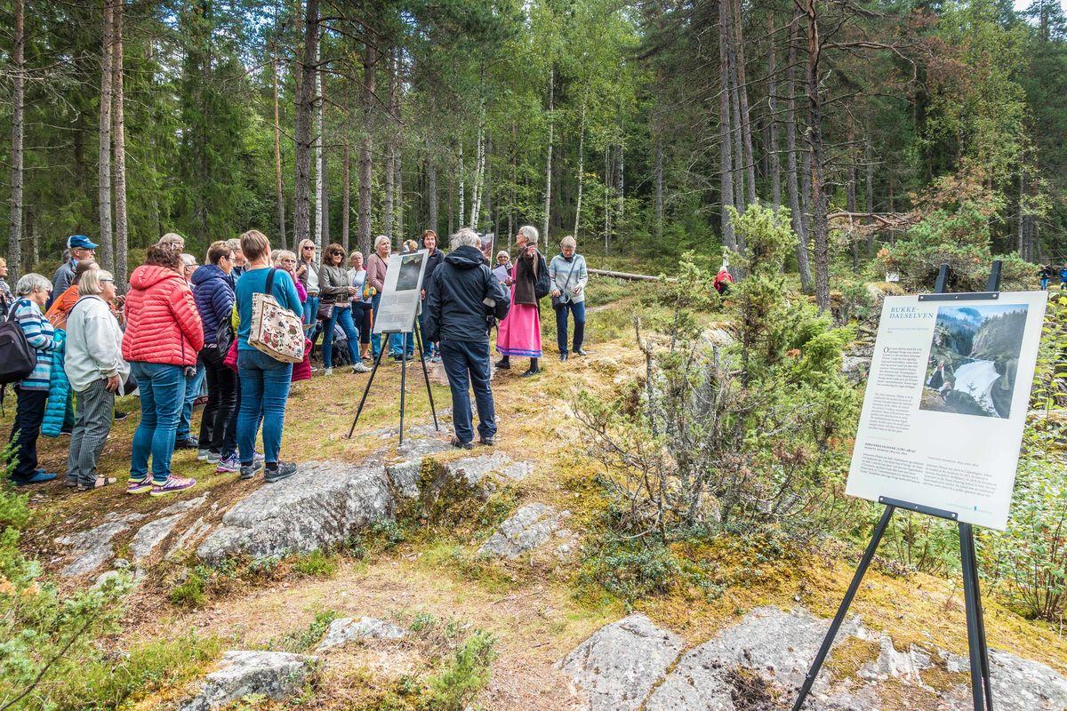 Guidet tur langs Rukkedøla