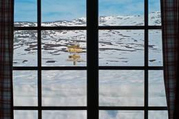 Utsikt ut av hyttevinduet på Cunojávrihytta - Foto: Clas Holmberg