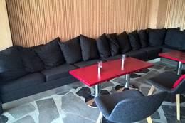 Preikestolen fjellstue sofa i peisestuen - Foto: Olaf Onsøyen