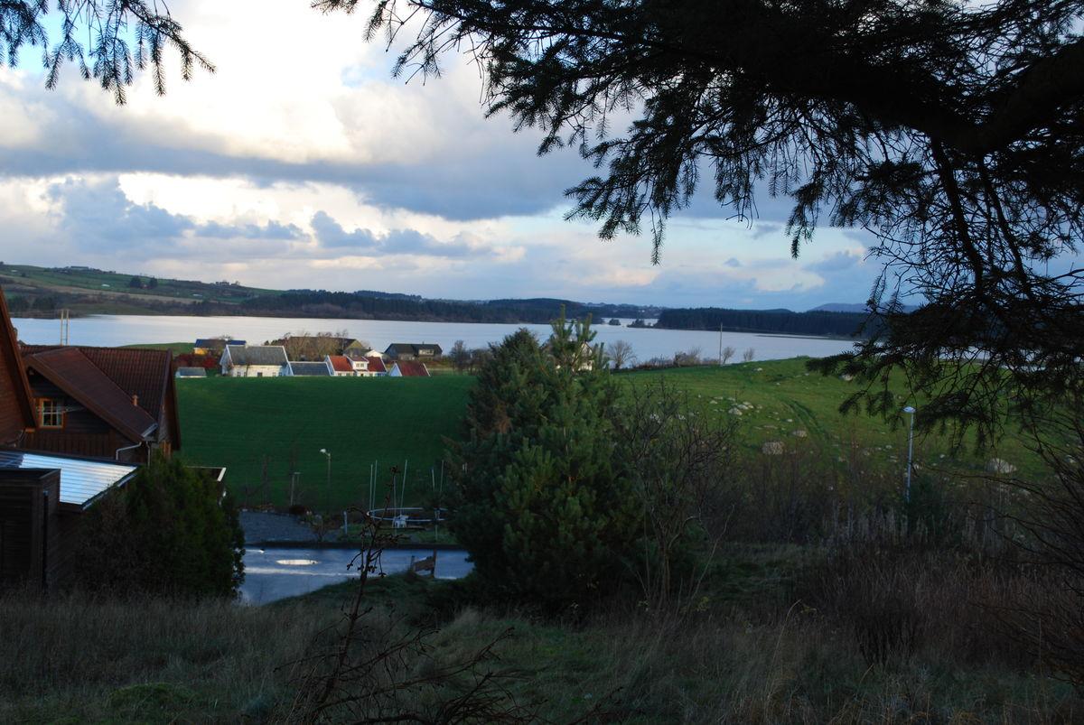 Utsikt mot Frøylandsvatnet