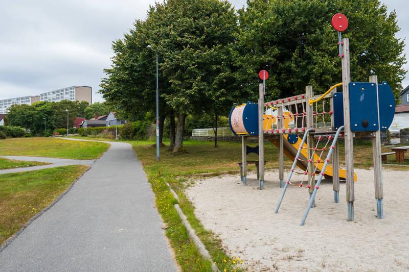 Det er tett mellom lekeplassene i Madlamark.