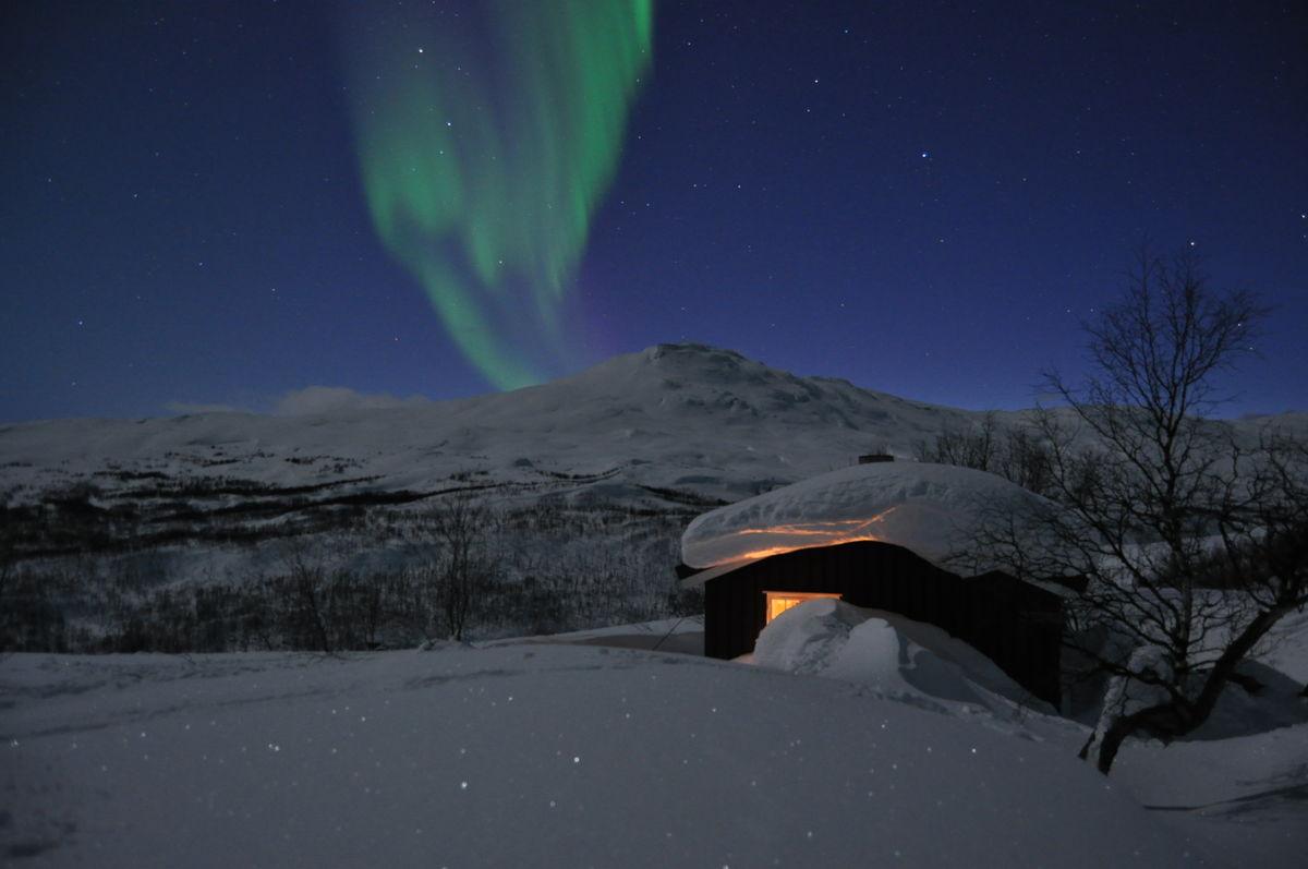 Lappjordhytta en flott Marskveld. Hytta ligger idyllisk til like ved grensa til Sverige.