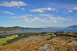 Utsikt mot Madsøygrenda fra Haliberget på Madsøya -  Foto: Leif Rune Jensen