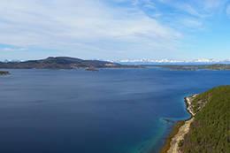 Panoramautsikt Hatten og Tilthornet i nord, Hamsundfjella i vest - Foto: Kjell Fredriksen