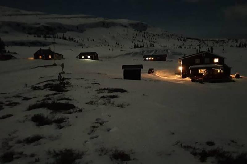 Hollane by night