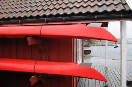 Det er 2 kajakker til låns på Tømmerstø.  - Foto: Frank-Werner Unsgaard