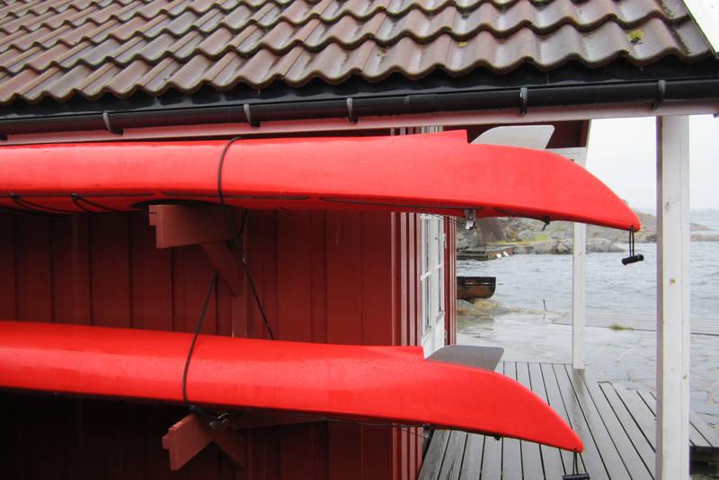 Det er 2 kajakker til låns på Tømmerstø.