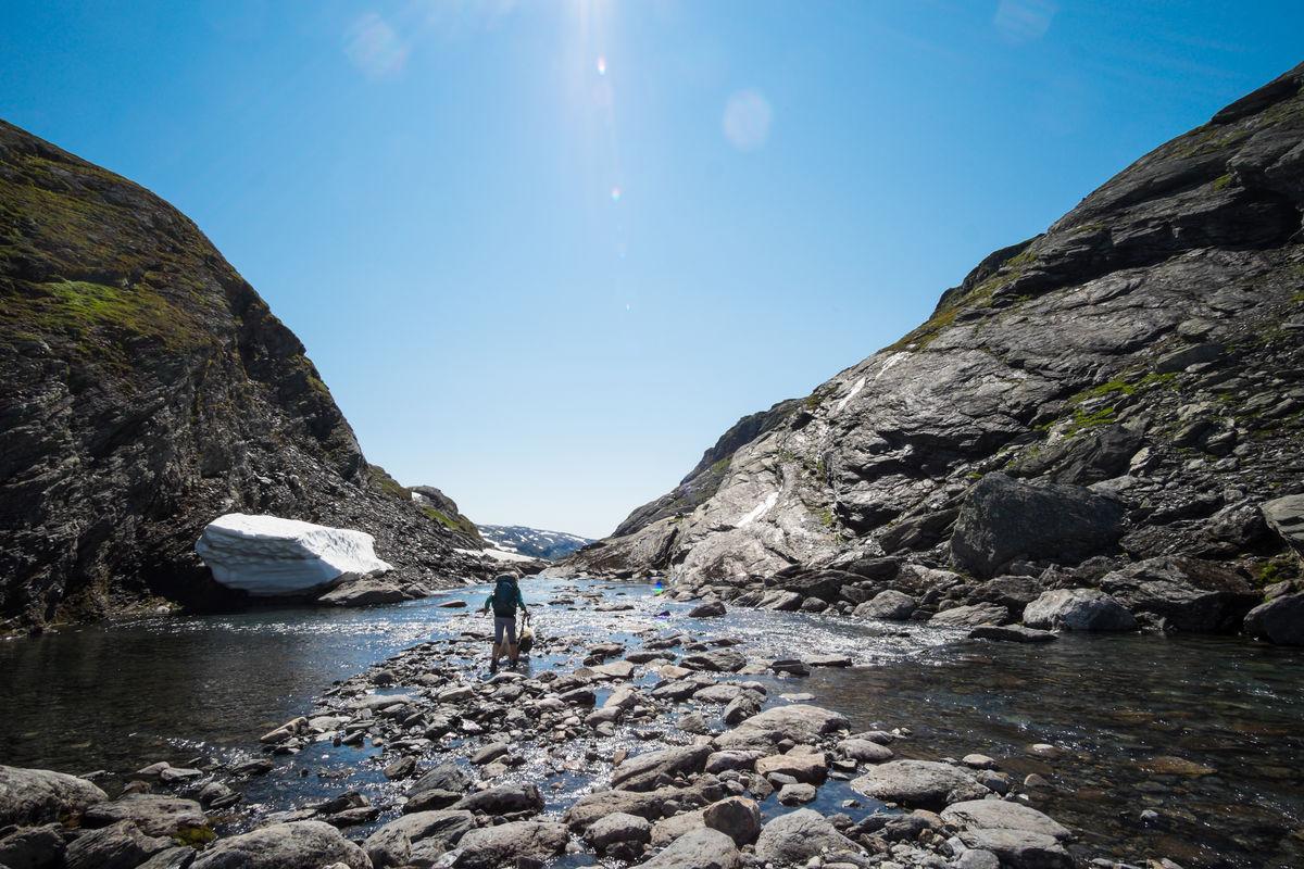 Det er viktig å beregne god tid på turen ned Kvanndalen. Turen er godt over to mil lang og tar gjerne åtte-ni timer.