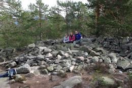 Bronsjealder røysa på Høyslass - Foto: Arne W. Hjeltnes
