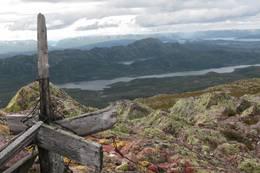 Toppvarden på Brattefjell -  Foto: Sissel Rohølhaugen