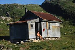 Grauthellerbu er en av de gamle buene som tjenestefolkene til Thv. Heiberg bodde i. Hytta er fullrestaurert - Foto: Stavanger Turistforening