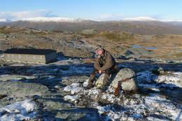 Bildet er tatt ved Torfinsvannett på Voss, til venstre ser du hytta Torfinnsheim - Foto: Tom Nordvik