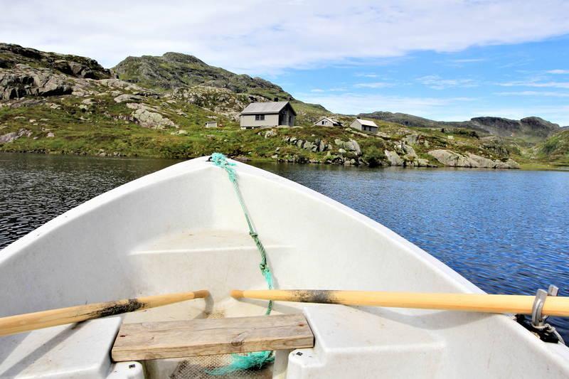 På Blomstølen er det båt til disposisjon.