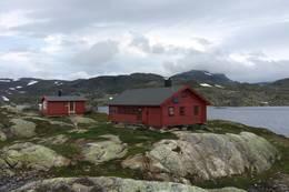 Krossvatn med ny sikringshytte og ny farge.  -  Foto: Stavanger Turistforening
