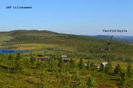 Vestfjellhytta med Slivatnet og Nysetra - Foto: Ragnvald Jevne
