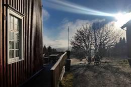 Høstsola slår inn over Rønningen - Foto: Jesper Jørgensen