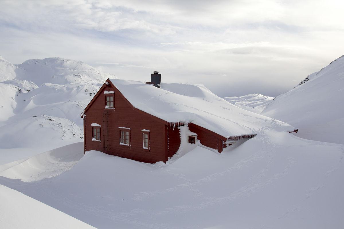 Hytta ligger 906 moh og byr på gode skiforhold