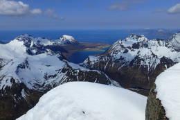 Utsikt fra toppen av Higravtind -  Foto: Roar Berg