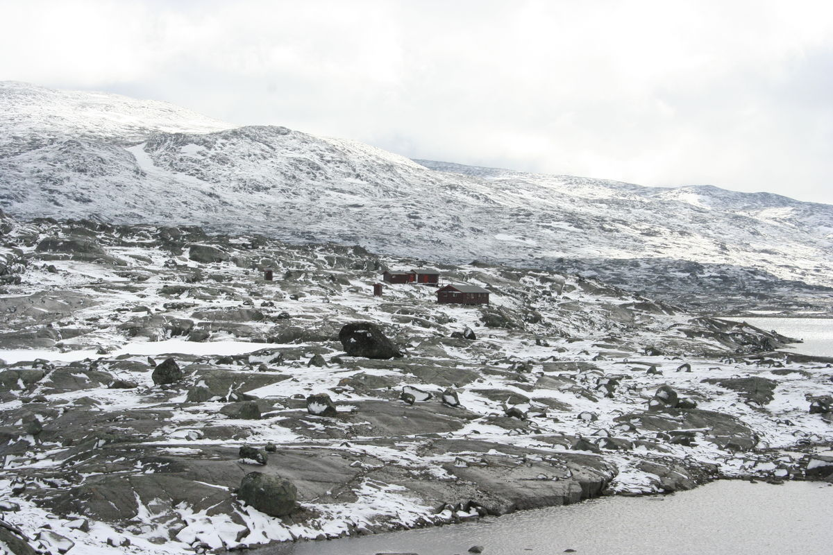 Skoaddejávre(NOT) 23.juli 2010. Første snøen som falt denne sesongen....