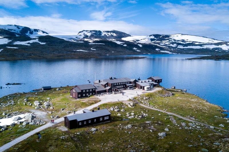 Finsehytta ligger vakkert til ved Finsevann