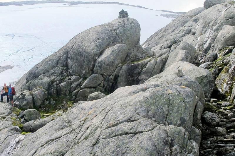 Del av steintrappene opp Kamperhamrane