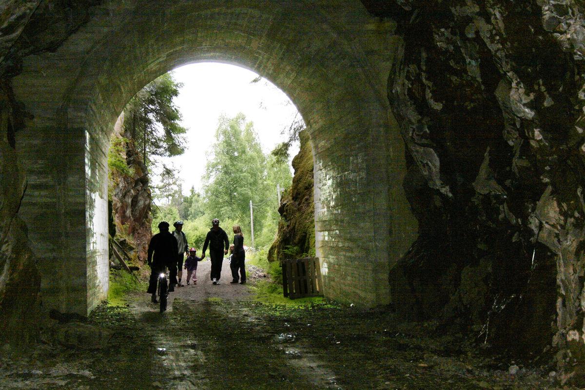 Paradistunnelen, 135 meter lang