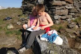 Fløya er en populær tur, og er ofte et mål for ti på topp og Turlagets Turboturer for barna. Da er det viktig å skrive ned koden! - Foto: Anne Sofie Bentzen