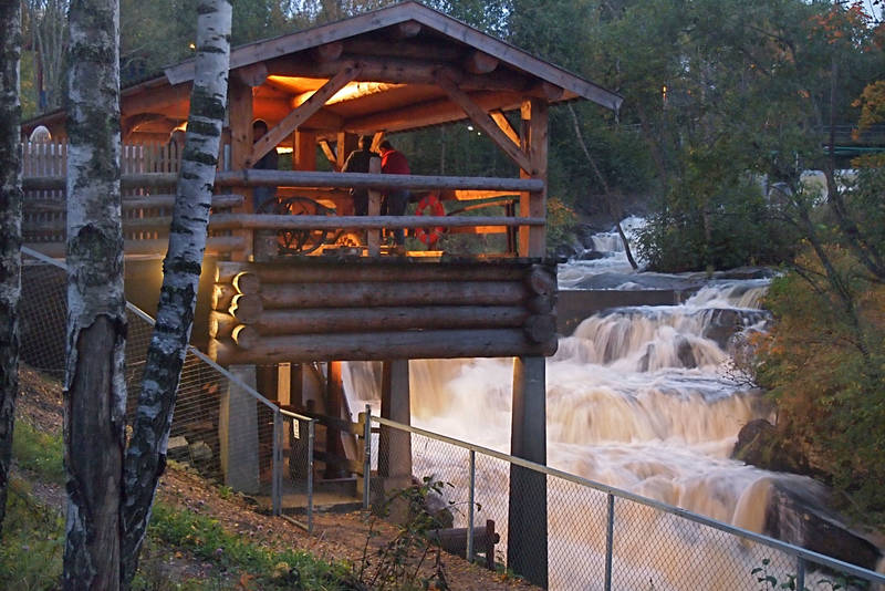Strømmensaga som ble bygget i 2009 til minne om alle de gamle vanndrevne sagene som lå langs Sagelva