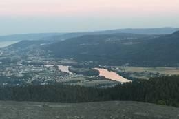 Ikke glem å gå ut på dette utsiktpunkt når du først er på toppen! - Foto: Einar Vestnes