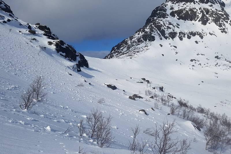 Terrenget opp mot Nordskaret. I rasfarlige tider er det best å holde ruta oppetter den breie dalbotn.