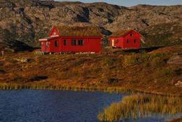 Simlebu i Etne kommune (Hordaland)<br />Bildet er tatt i september 2010<br />Simlebu er en koselig hytte som ligger fint til i terrenget og byr på god utsikt over et storslagent landskap. &nbsp; - Foto: Bj&#248;rn Kristiansen