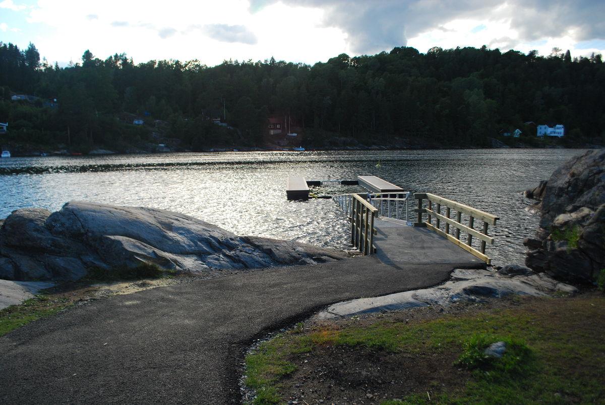Baderampe ut i Bunnefjorden.