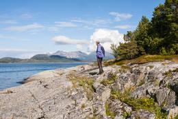 Her får vi flott utsikt mot nordre Hamarøy - Foto: Kjell Fredriksen