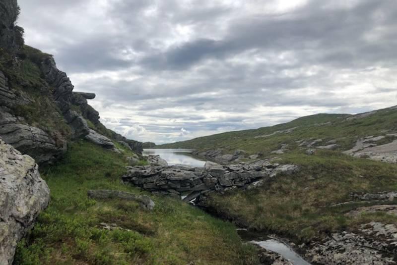 Utløpet av Dyttingvatnet vestover