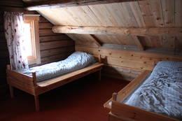 På loftet er det ett stort og ett lite soverom - Foto: Hanne Olafsen