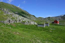Stølsmiljøet foran Stavali turisthytte. - Foto: Svein Ulvund