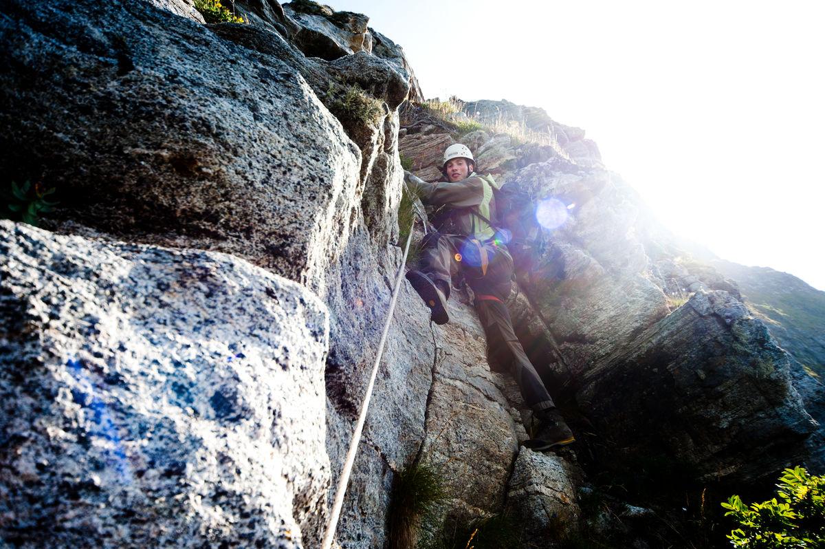 Du må klyve og klatre for å nå toppen.