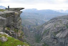 Kanonen høyt oppe i Hellemojuvet, en av Nord-Europas største og mest utilgjengelige Canyoner - Foto: Sveinung Tubaas