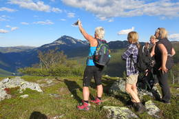God utsikt mot Gaustatoppen og ned til Rjukan -  Foto: Kjerringsveiven