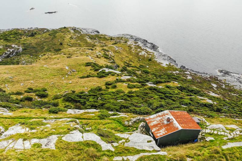 Fjøløy ligger nydelig til på toppen av Fjøløy