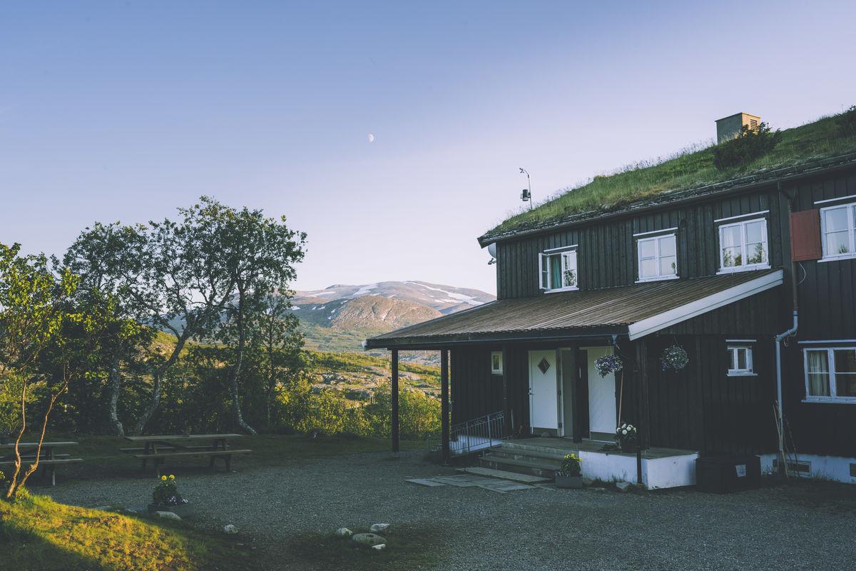 Hytta er hovedinnfallsporten til Sylan fra norsk side.